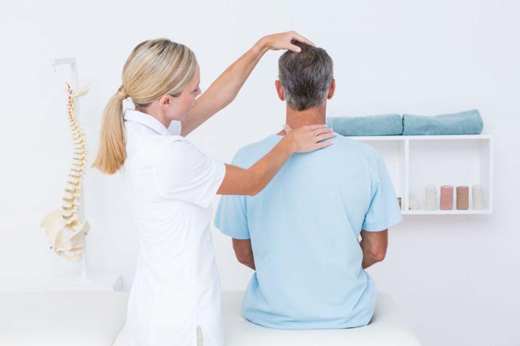 Chiropratico testa colonna cervicale