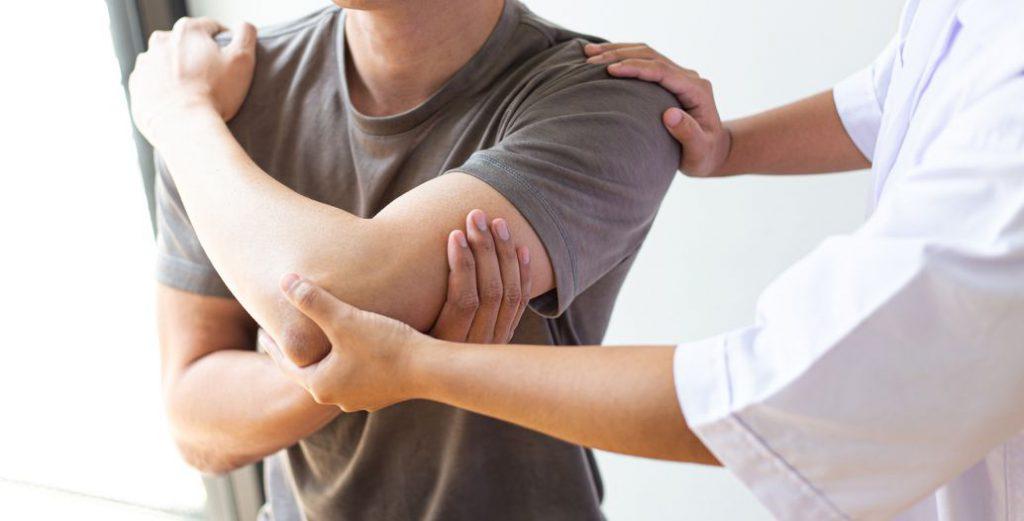 manipolaizone chiropratico della spalla